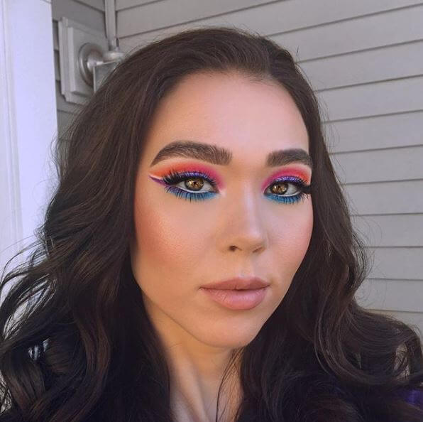 c5e4f5d1761 We're kicking off our Hot List with this super colourful snap by  @Rachel_rife ! To match the brightness of this look, you've got to go bold  with your lashes ...